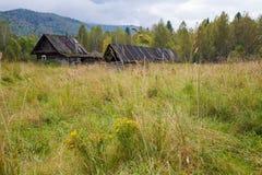 Casa vieja en las maderas Fotografía de archivo