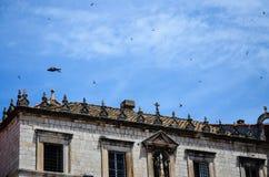 Casa vieja hermosa la ciudad vieja de Dubrovnik Imágenes de archivo libres de regalías