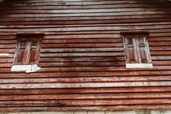 Casa vieja, ventana de madera Foto de archivo