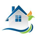 Casa y hojas de Logo Modern Fotografía de archivo libre de regalías