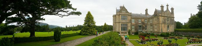 Casa y jardines de Muckross Imagenes de archivo