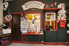 Casa y la oficina de correos de Santa Claus Fotos de archivo libres de regalías