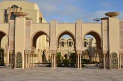 Casablanca Marocko - April 22, 2013: Hassan 2 moské en av den största moskén i världen Arkivbild