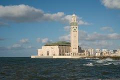 CASABLANCA MAROCKO - September 3, 2015 - Hassan II moskéställningar i havet arkivfoto