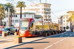 Casablanca Marokko, am 16. Februar 2018, eine Tram in der Präfektur von Casablanca stockfotografie