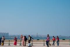 Casablanca, Marokko - Oktober 29, 2017: mening van walkin toeristen Stock Fotografie