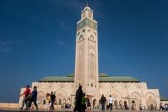 Casablanca Maroko, Październik, - 29, 2017: widok turyści walkin Zdjęcia Royalty Free