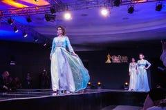 Casablanca Maroko, Wrzesień, - 26, 2017: modele chodzi na Zdjęcie Royalty Free