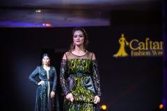 Casablanca Maroko, Wrzesień, - 26, 2017: modele chodzi na Zdjęcia Stock