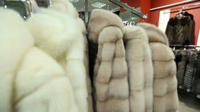 Casacos de pele da loja filme