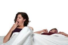 Casal na cama imagens de stock