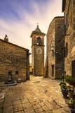 Casale Marittimo stara kamienna wioska w Maremma Malowniczy flowe Obrazy Royalty Free