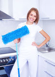 Casalinga con un mop Fotografia Stock