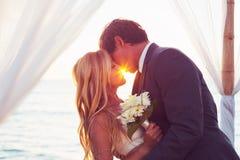 Casamento do por do sol imagens de stock