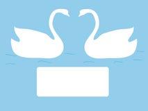 Casamento do símbolo do amor das cisnes do cartão Fotografia de Stock
