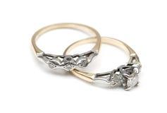 Casamento e aneis de noivado Fotografia de Stock Royalty Free
