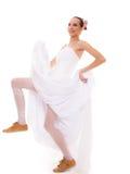 casamento Mulher engraçada da noiva running em sapatas do esporte imagem de stock royalty free