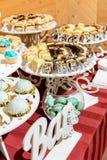 Casamento ucraniano e tabela de bufete doce, agradável imagem de stock