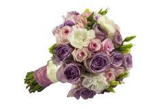 Casandose el ramo color de rosa aislado en blanco Imagen de archivo