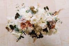 Casandose el ramo floral blando, del top Fotografía de archivo libre de regalías