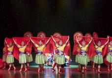 Casandose equipo-ella danza popular aduana-china de la nacionalidad Fotografía de archivo
