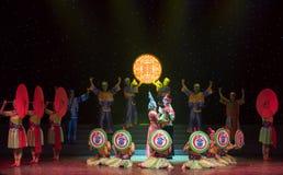 Casandose equipo-ella danza popular aduana-china de la nacionalidad Fotografía de archivo libre de regalías