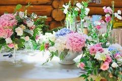 Casarse decoraciones florales Imagen de archivo libre de regalías