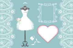 Casarse el vestido nupcial con el marco, etiqueta, Paisley Foto de archivo libre de regalías
