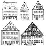 Casas ajustadas isoladas no fundo branco. Coleção europeia da construção. Imagens de Stock