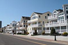 Casas americanas genéricas da rua Fotografia de Stock Royalty Free
