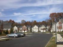 Casas americanas típicas en aldea cerca de Princeton Fotos de archivo libres de regalías
