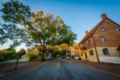 Casas ao longo de Main Street, em Salem Historic District idoso, dentro Foto de Stock