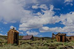 Casas arruinadas en un pueblo fantasma americano Imagenes de archivo