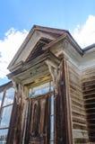 Casas arruinadas en un pueblo fantasma americano Fotos de archivo