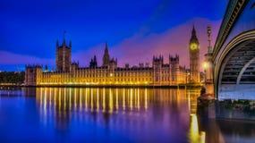 Casas britânicas do parlamento HDR Imagens de Stock Royalty Free