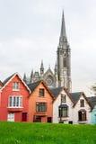 Casas colgantes Cobh, Irlanda Foto de archivo