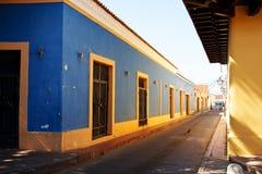 Casas coloniais espanholas do estilo fotos de stock