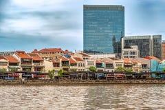 Casas coloniales coloridas a lo largo del río de Singapur en Singapur Fotografía de archivo