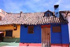 Casas coloniales del estilo. La Candelaria, ¡de Bogotà Fotografía de archivo