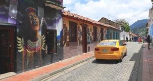 Casas coloniales t?picas de Bogot? del distrito de Candelaria almacen de video