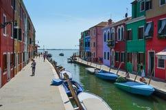 Casas coloreadas en Venecia Italia Foto de archivo libre de regalías