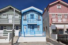 Casas coloreadas rayadas, Costa Nova, Beira Litoral, Portugal, EUR Imagenes de archivo