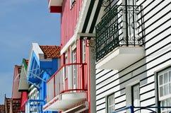 Casas coloreadas rayadas, Costa Nova, Beira Litoral, Portugal, EUR Fotografía de archivo libre de regalías