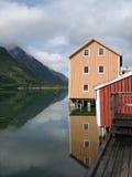 Casas coloreadas viejas de Mosjoen, Noruega fotografía de archivo libre de regalías