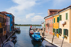Casas coloridamente pintadas em Burano, Veneza, Itália Imagem de Stock