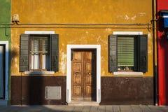 Casas coloridas, Burano, Itália foto de stock royalty free