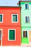 Casas coloridas Burano tradicionais, Veneza Fotos de Stock Royalty Free