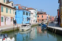 Casas coloridas de Burano Imágenes de archivo libres de regalías