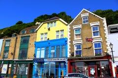 Casas coloridas de Dover BRITÁNICAS Foto de archivo