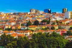 Casas coloridas em Lisboa fotos de stock royalty free